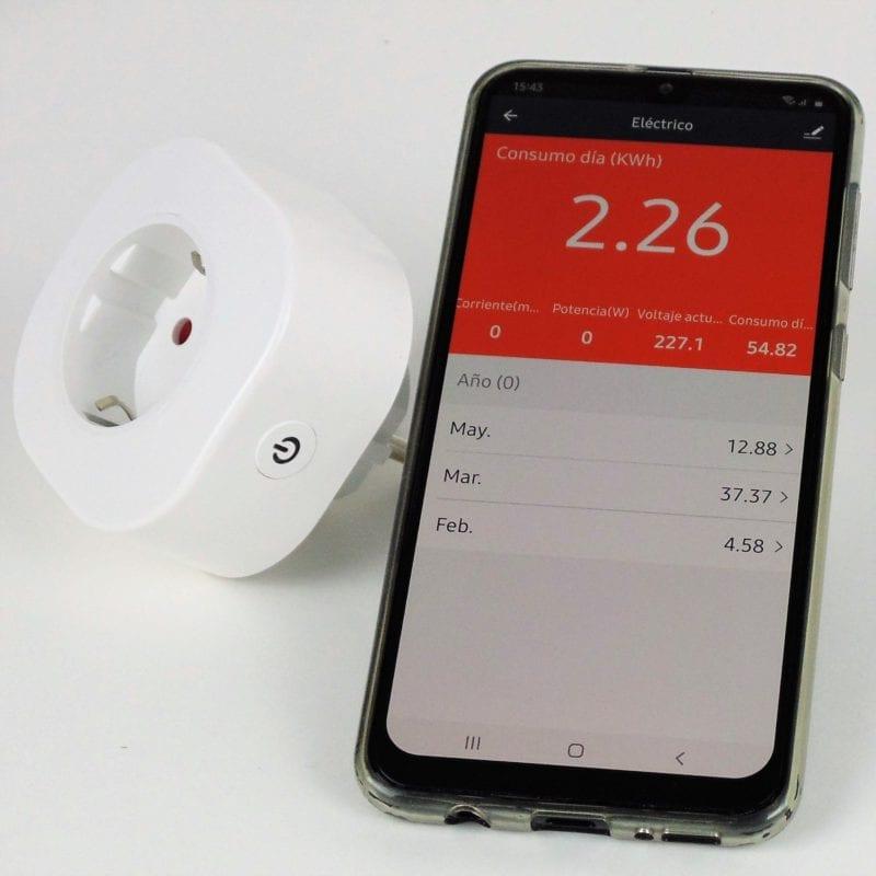 Enchufe inteligente WiFi con Smartphone y app TuyaSmart, medida de consumo