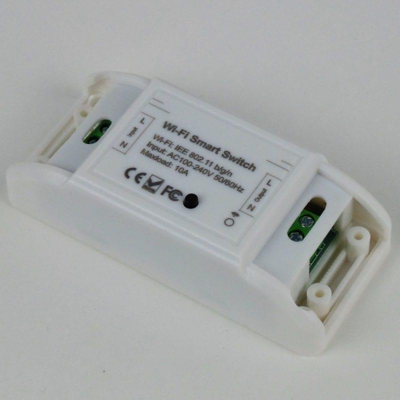 Interruptor inteligente de un circuito WiFi TuyaSmart, borneras vistas